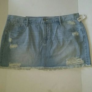 Old Navy Mini Denim Distressed Skirt sz.16